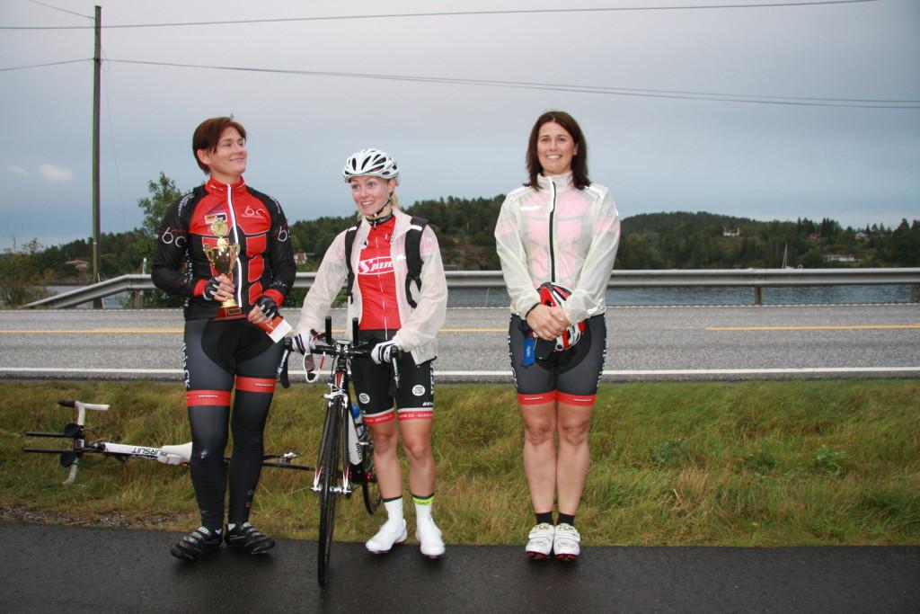 Fra venstre Bjørg Gustavsen (Blindleia CK), Stine Borgli (Bryne CK) og Margit Realfsen (Blindleia CK)